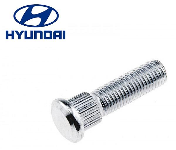 Kerékcsavar  első Hyundai Matrix
